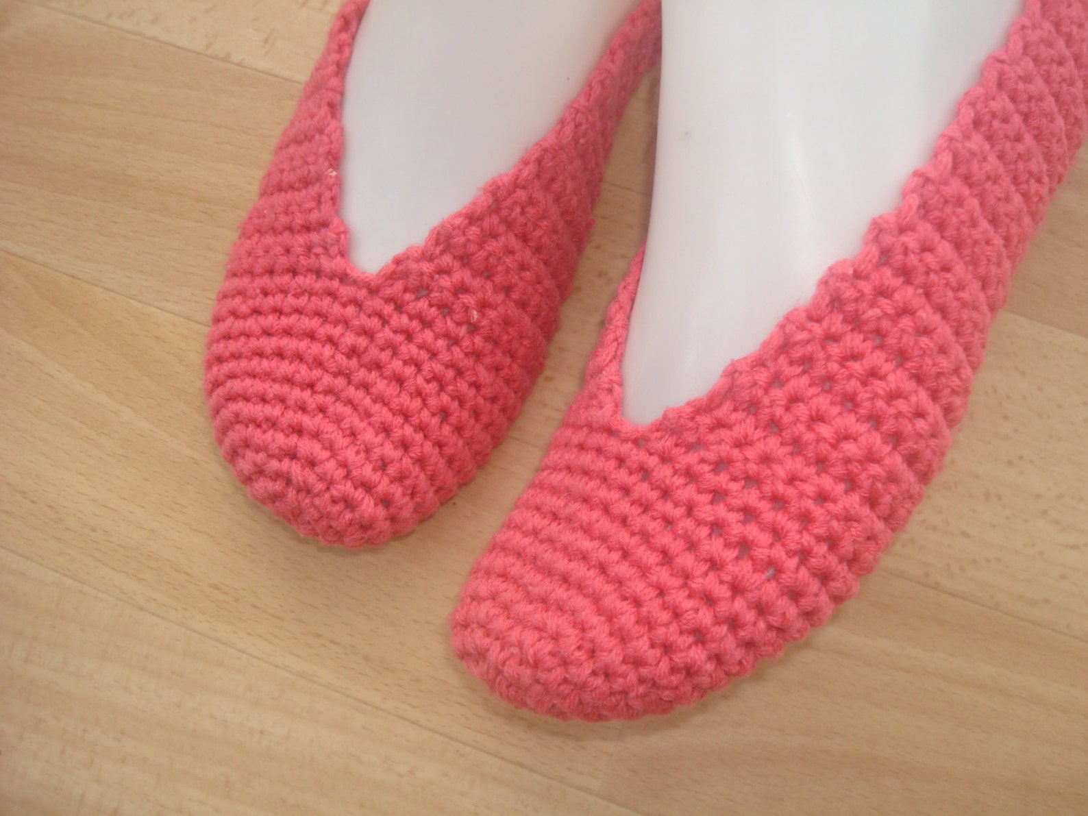 pink womens girls crochet slippers, house knitted elegant slippers, bridal dance shoes, home ballet flats, pilates yoga shoes so