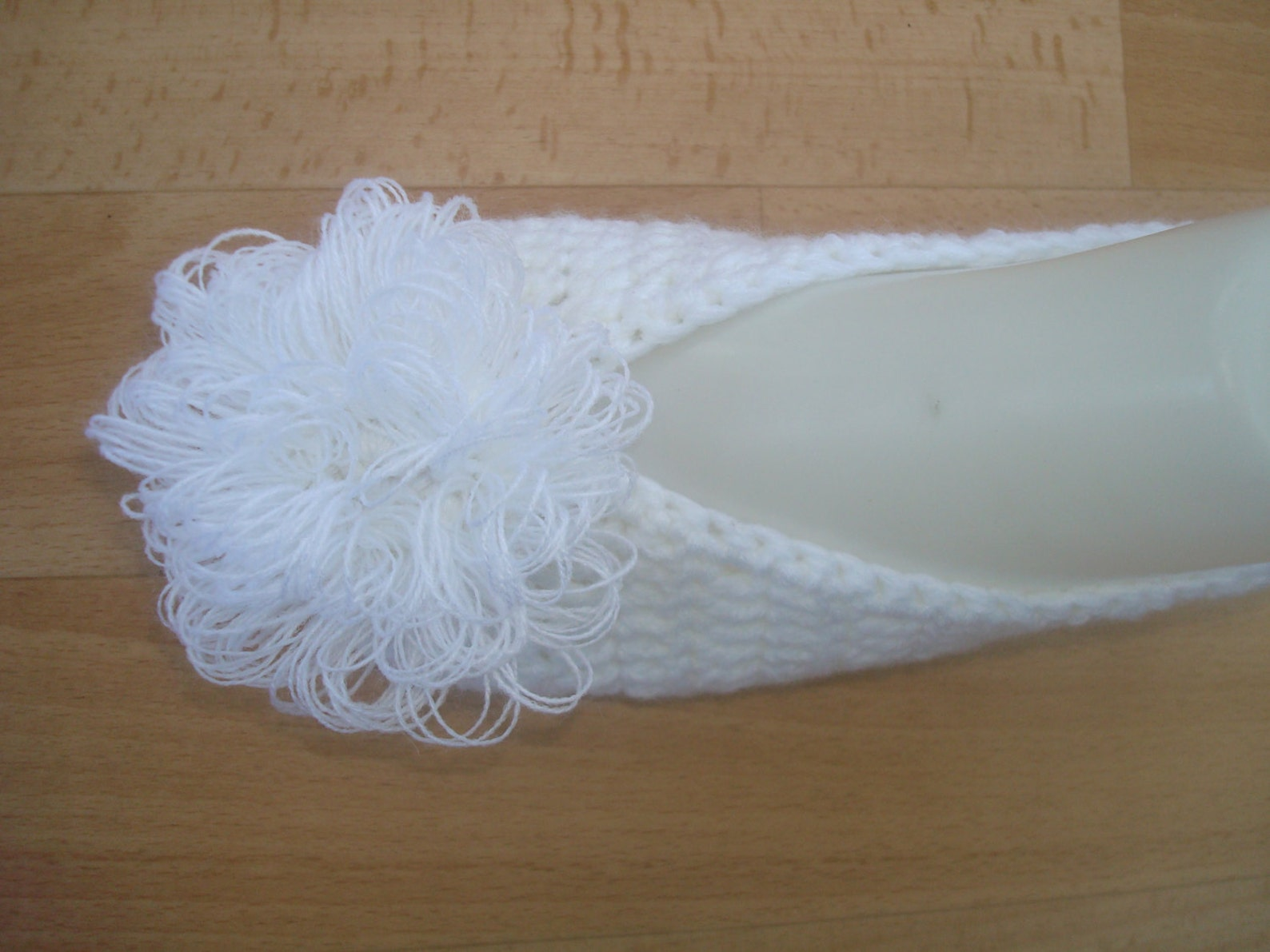 bridal wedding dance slippers, white crochet bride shoes, ladies ballet flats, womens white slippers with flower, beautiful eleg