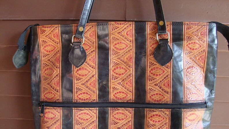 67a0b22952 Vintage Hand-tooled Hand-printed Shantiniketan Indian Genuine