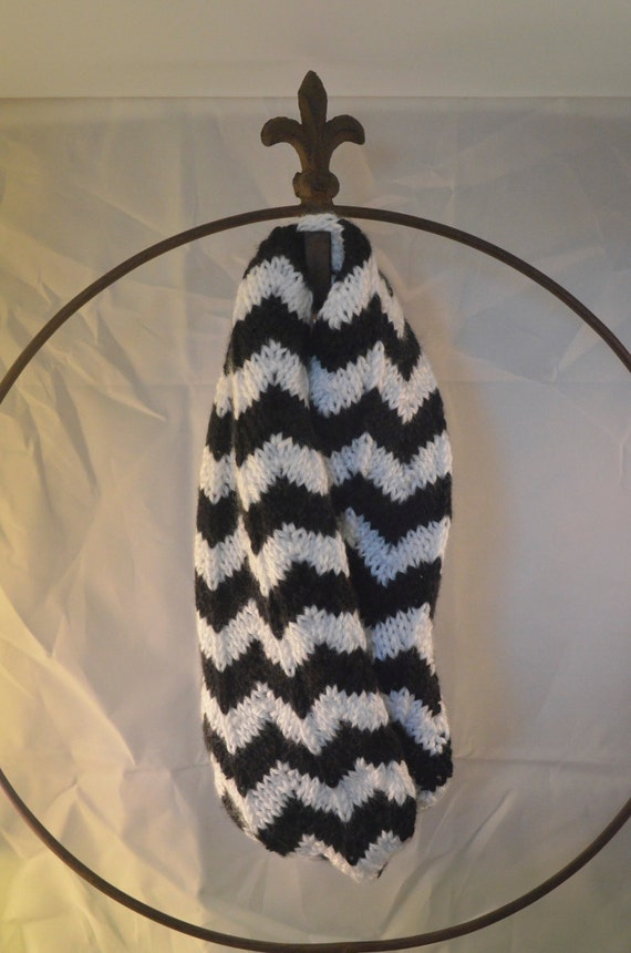 Black & White Chevron Infinity Scarf (evenly sized stripes) (LSI003)