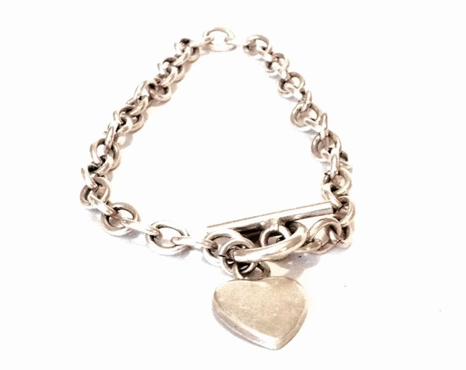 "A Sublime Heavy Mid-Century 8"" Italian Heart Embossed Cable Chain Bracelet / Sterling Silver, Toggle Clasp, 12.9 Grams #3928"