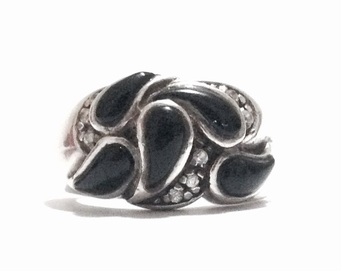 A 1940's Art Nouveau Teardop Onyx Stone & cz Diamond Embossed Ring, USA Ring Size 6, 7.37 Grams #3427