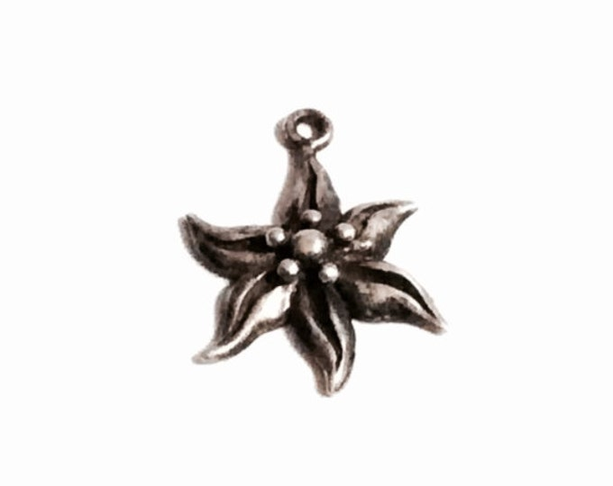 "Delicate Mid Century Sterling Silver Waved Flower Charm, beautifully detailed, 1.44Grams, .75x.5"" #2480"