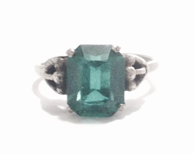 A Stunning Early 1930-40's Art Nouveau Solitaire cz Emerald / Sterling Silver (open) Ring, adjustable, USA Ring Size 7.5, 3.37 Grams #3346