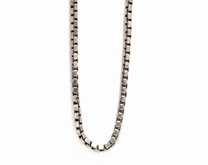 """A Mid-Century 18"""" italian Briolette/Box Chain Necklace / Sterling Silver, Spring Clasp, 3.69 Grams #3382"""