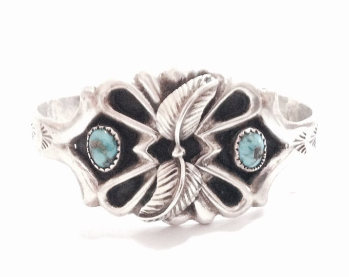 """A Heavy 6"""" Early 1930-40's Southwestern Native American Turqouise Embossed Cuff Bracelet / Sterling Silver, 32.48 Grams #3668"""