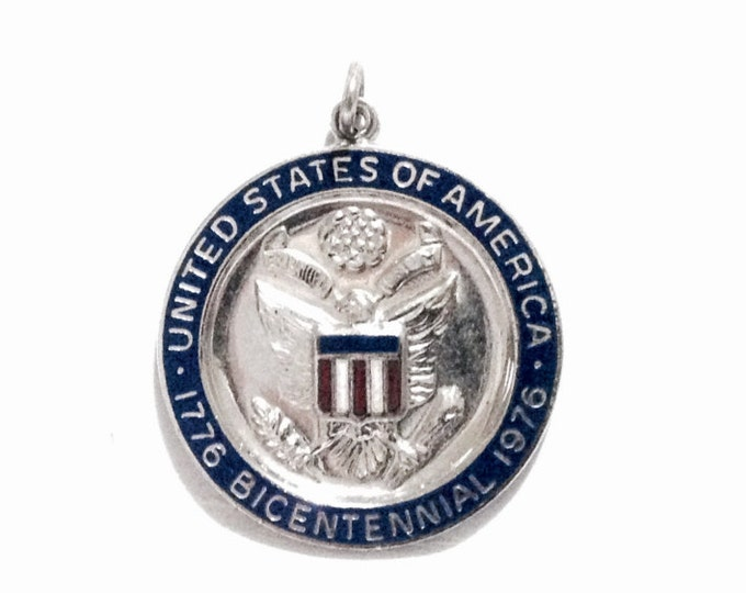 "The United States Of America 1776-1976 Bicentennial Medallion - Pendant / Sterling Silver, 1"" Diameter, 5.32 Grams #4044"