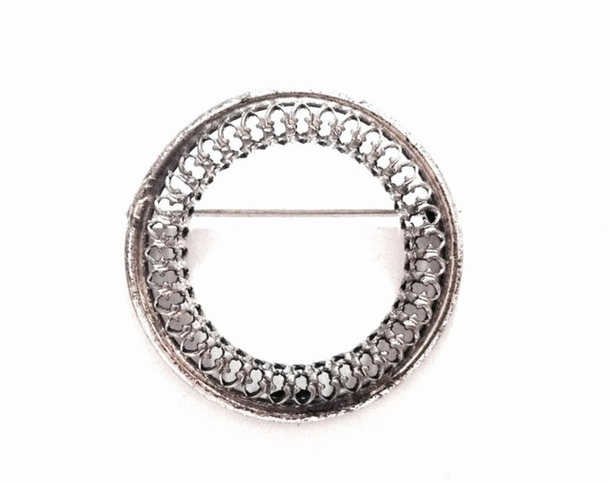 """An Early 1930-40's Danecraft Designer Signed Round Filigree Brooch - Pin / Sterling Silver, 1.25x1x.25"""", 3.29 Grams #3823"""