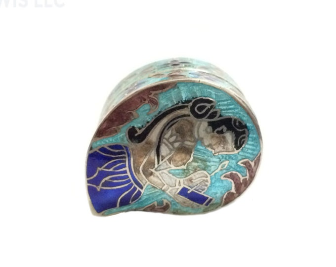 An Elegant Early 1900's Indian Art Nouveau Flowering Women Enameled Pill Box / Sterling Silver, 3x2x1.6 CM, 13.6 Grams #4293