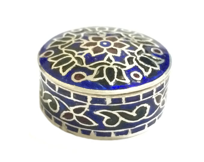 A Handcrafted Mid-Century Indian Enamel Work Round Miniature Pill Box / Sterling Silver, 7.09 Grams, 2.5x1 (cm) #4294
