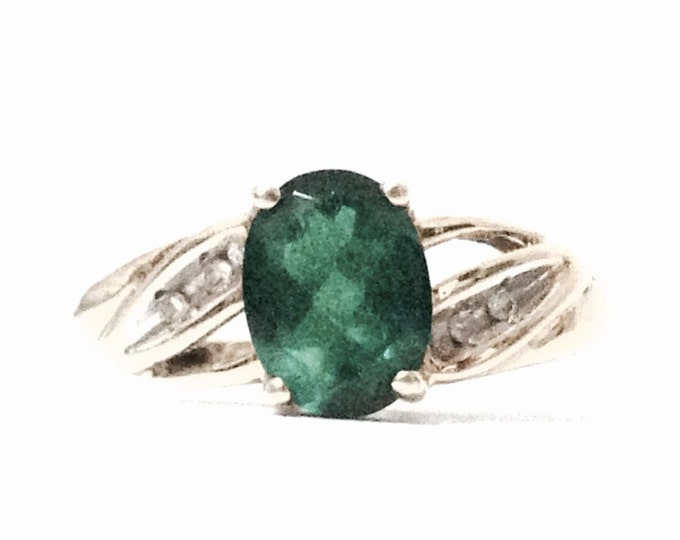 A Stunning Statement Solitaire Emerald & Diamond Paved Ring / 10K Yellow Gold, USA Ring Size 7, 1.96 Grams #3951