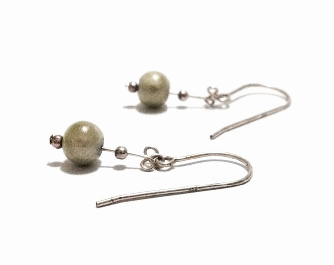 """A Delicate Pair of Art Nouveau Mid-Century cz Green Pearl Ball-Drop Threader Earrings / Sterling Silver, 1x.25x.25"""", 1.25 Grams #3355"""