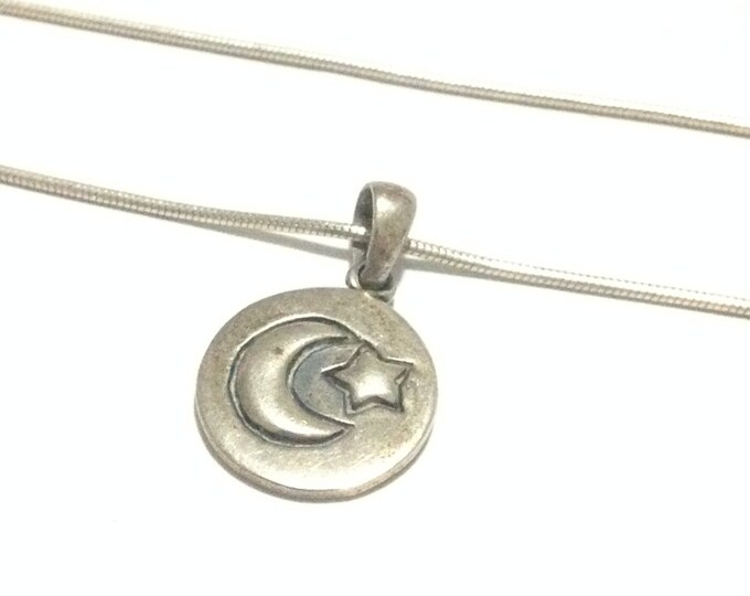"""A Round Star-Moon Embossed """" I Love You To The Moon And Back """" Pendant/Sterling on a 20"""" (925) Snake Chain, 6.85 Grams #3816"""
