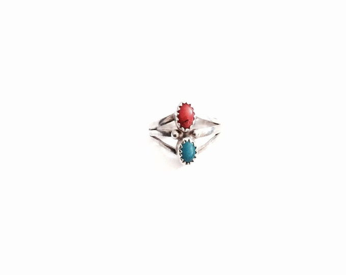 A Delicate Handcrafted Mid-Century Native American Turquoise & Red Coral / Sterling Silver Ring, 2.56 Grams #2972