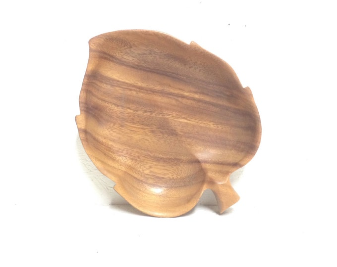 """Handcarved monkey wood Bowl by Sorenson 8x6x1""""  beautifully detailed, vintage handmade Dish carved pieces, leaf design/shape #1959"""