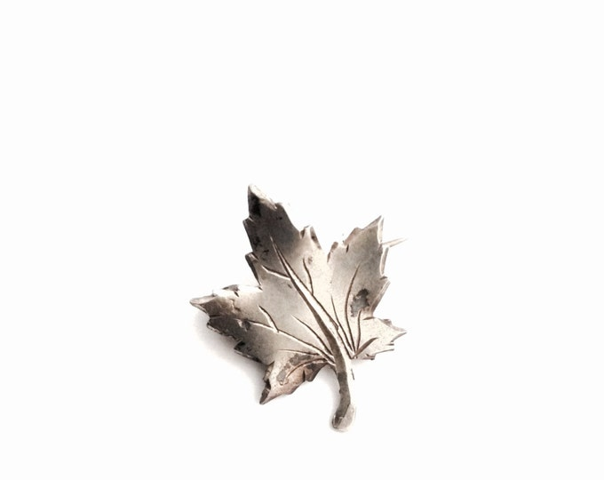 """Early 1900's Handmade Art Nouveau Fall Leaf Pin/Brooch, Antique Sterling Silver JewelryCraft.75x.75x.10"""", 1.00Grams #1383"""