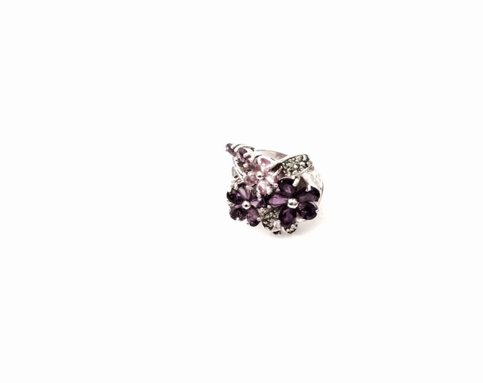An Ornate-Retro c. 1970's Sterling Silver / Amethyst & CZ Diamond Ring, USA Ring Size 7, 8.25 Grams, #2854