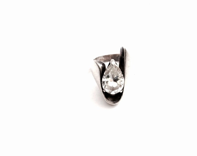 A Mid-Century Modernist Sterling Silver & Teardrop CZ White Sapphire Ring, USA Ring Size 7, 13.73 Grams #2947