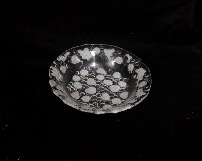 "Etched Convect Crystal Fruit Bowl and Dish, in good condition, 6"" diameter, 1"" deep, 8oz #2347"