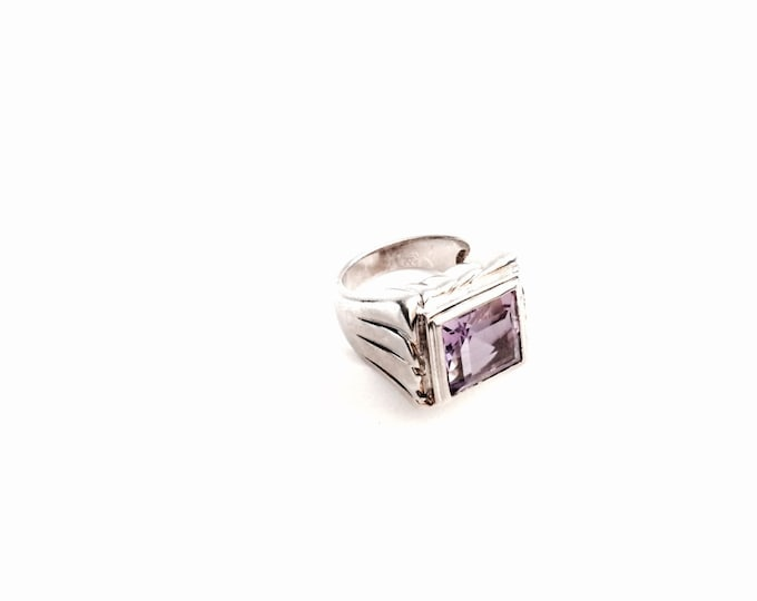 An Ornate Square Cut Amethyst / Sterling Silver Ring, USA Ring Size 7, 10.23 Grams #2940