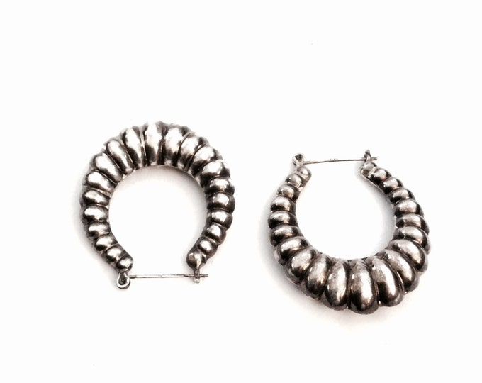 """Pair Of  Mid-Century Sterling Silver Carved Oval Hanging Earrings, 1.5x1.5x.25"""", 8.33Grams #2527"""