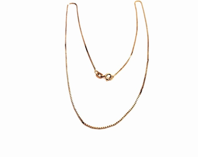 "A Delicate 18"" Italian Gold Vermiel - Sterling Silver Briolette/Box Chain Necklace, 2.45 Grams #2960"
