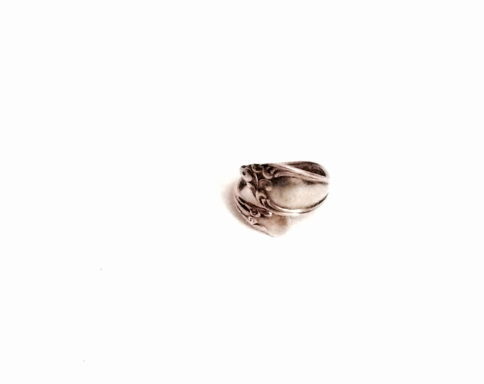 """An Incredible Art Nouveau Handmade Sterling Ring C.1930-40, USA Size 7, Stamped """"WMA Rogers Onieda LTD """", 4.52 Grams, #2803"""