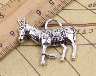 10pcs Hockey player charms pendant---25x16mm Antique silver DIY jewelry handmade base material