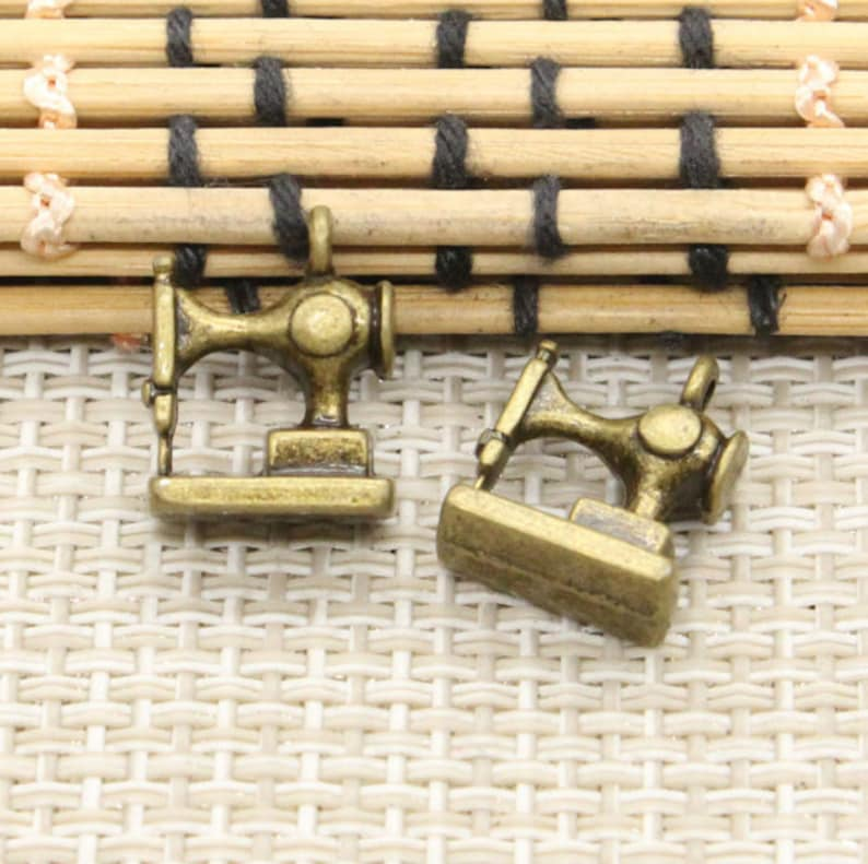 20pcs Sewing machine charms pendant 15x12mm bronze ornament accessories jewelry making DIY handmade craft base material