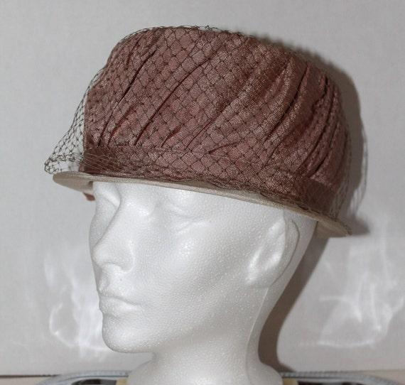 vintage women's hat retro pink veil dusty rose gl… - image 1