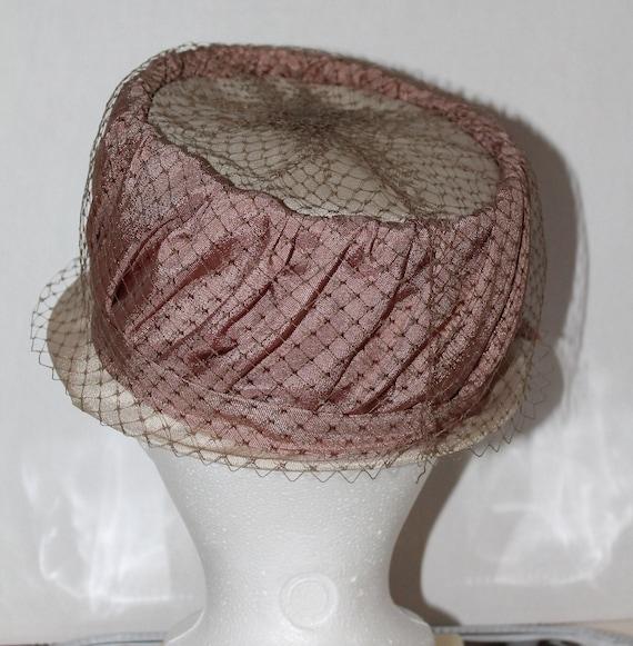vintage women's hat retro pink veil dusty rose gl… - image 5
