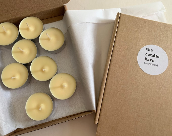 Box of 8 Shortbread scented soy wax tea light candles