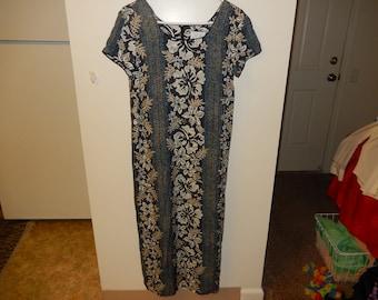 b66d41416e880 Young Hawaii Sheath Dress - Sizing Below