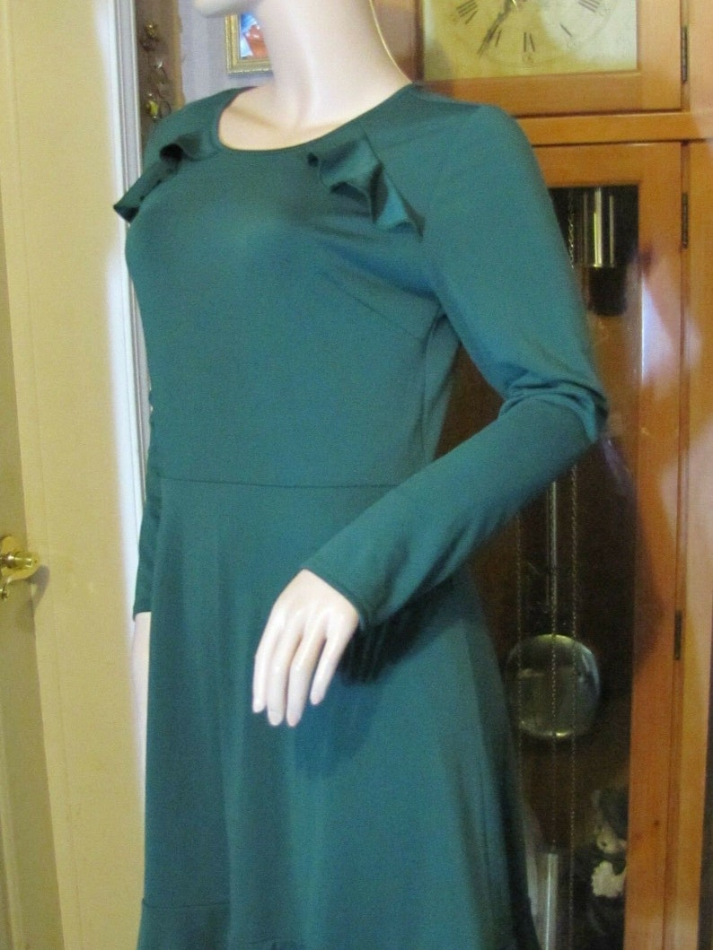 Ann Taylor Green Dress size 6 Perfect for St Patrick
