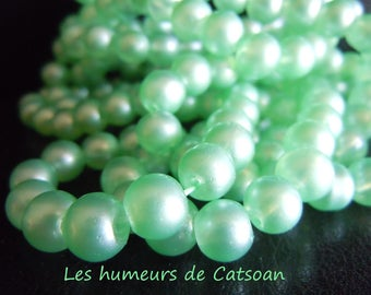 100 round green freshwater pearls 8mm / glass bead / diy / pastel green Pearl