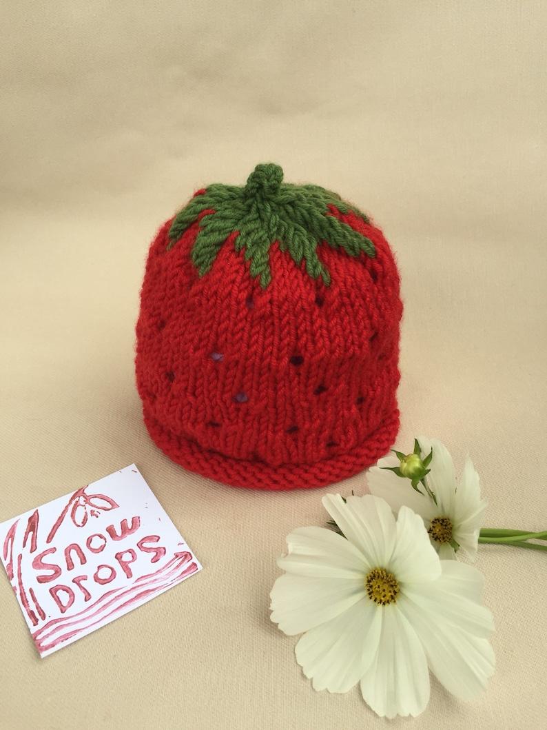 a06366c9c16 Chapeau nouveau-né fraise chapeau de bébé nouveau-né bonnet