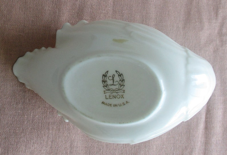 White Swan fine porcelain with golden accent marked LENOX made in U.S.A 6L x 2.5W x 3.75H vintage