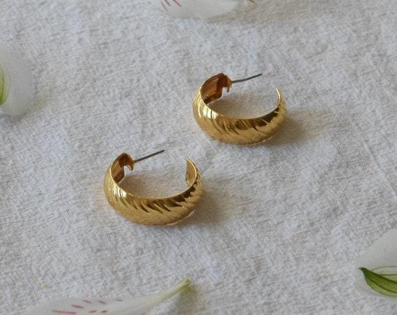 Wavy Gold Hoops
