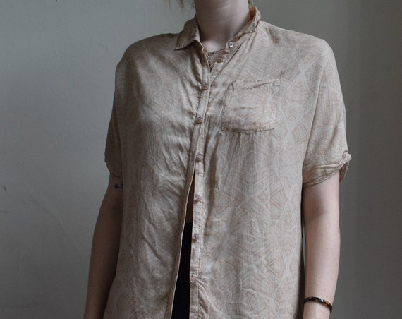 Obakki Tan Wood Grain Short Sleeve Dress