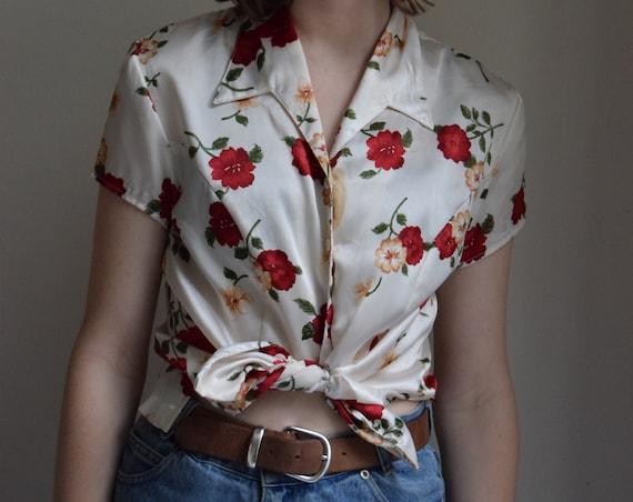 90's Floral Rayon Satin Short Sleeve Blouse.