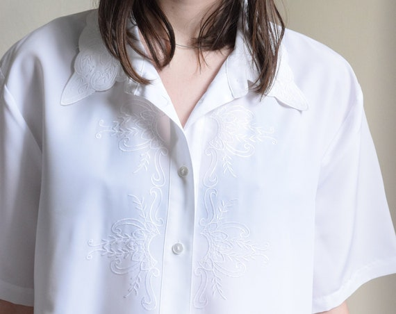 White Embroidered Scalloped Collar Top
