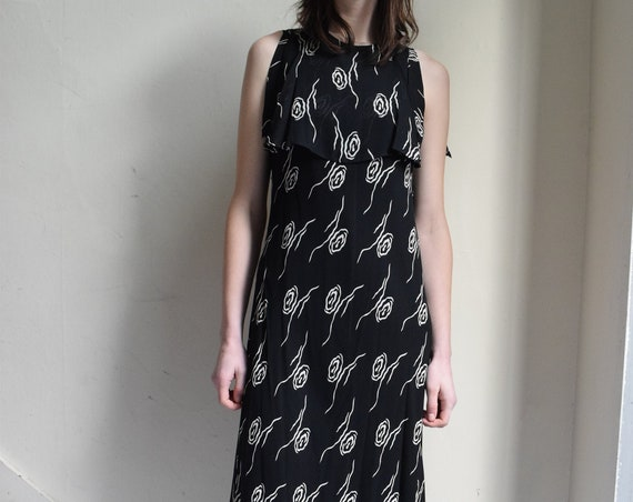 Rose Black Sleeveless Floor-Length Dress