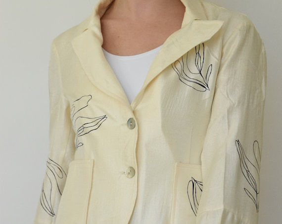 Lilja Long Sleeve Ivory Blazer