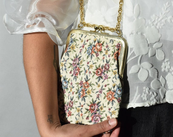 Embroidered Floral Coin Purse