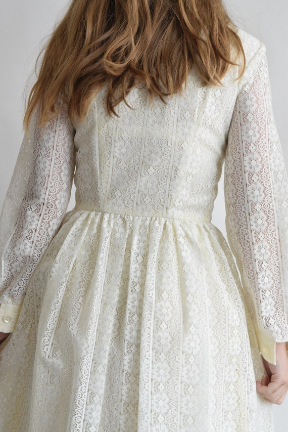 Vintage Prairie Lace Wedding Dress