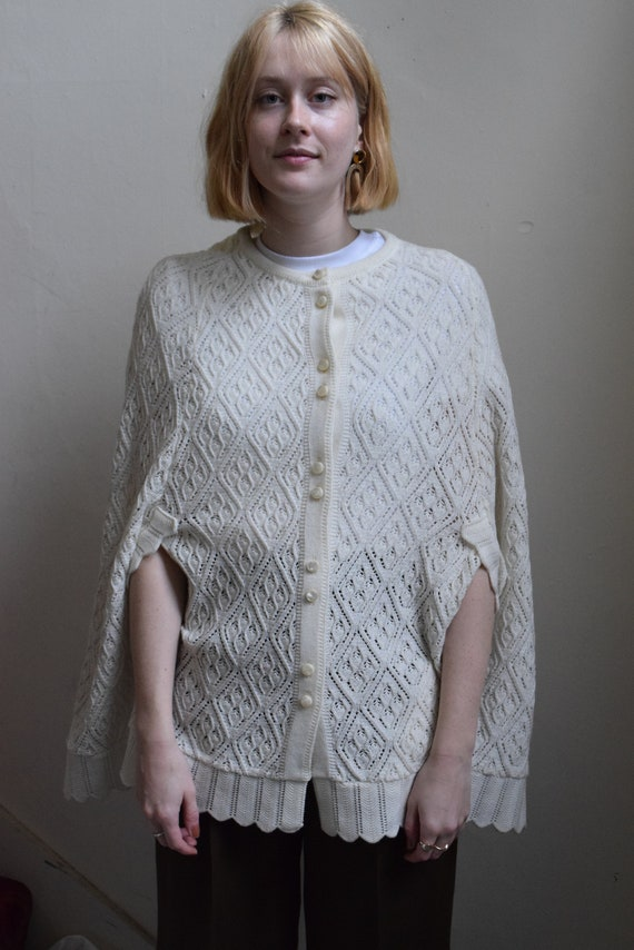 Woodwards Ivory Knit Capelet