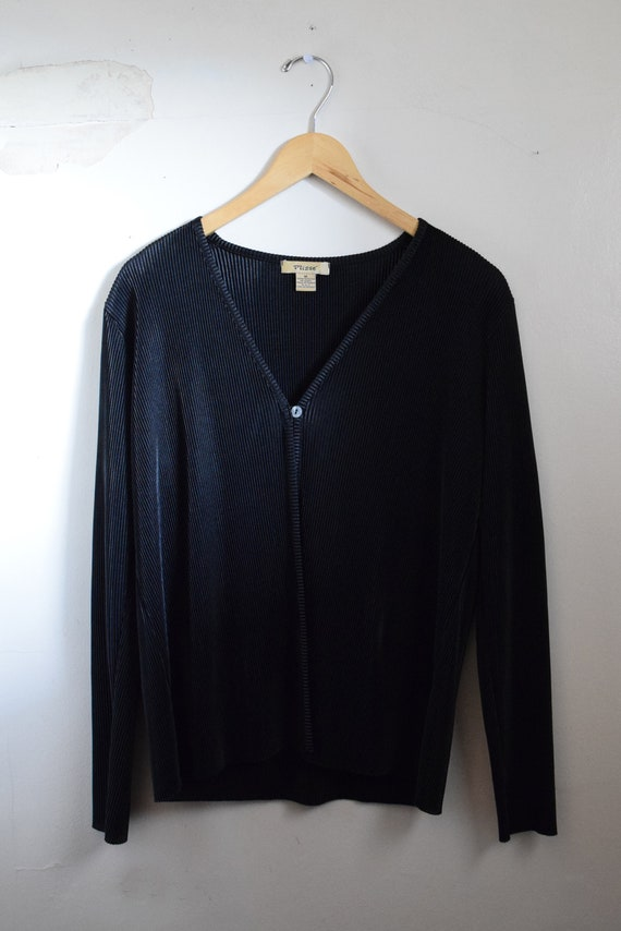 Black Pleated One-Button Cardigan