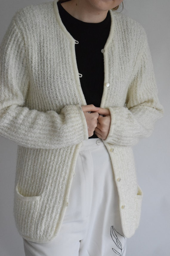 Egg Shell Easy Cardigan
