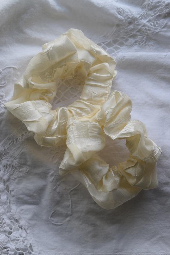 Cream Checkered Hair Scrunchies