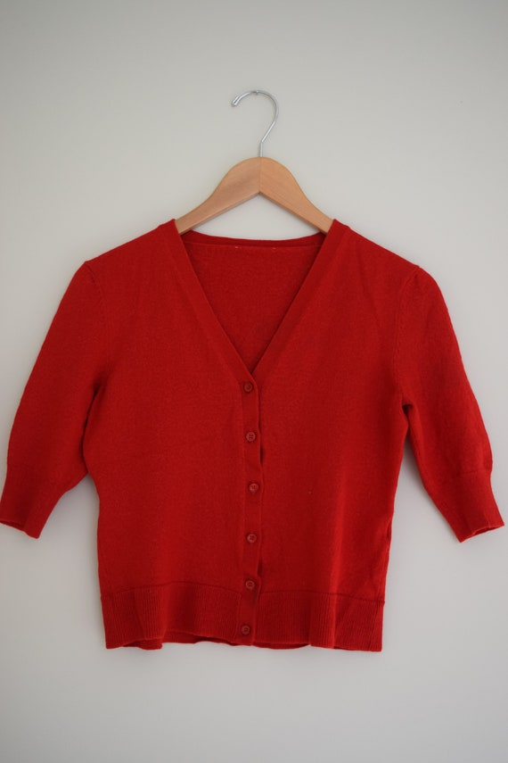Cherry Wool Cropped Knit